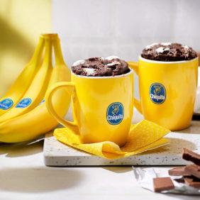 5-Minuten-Tassenkuchen mit Fudge S'mores und Chiquita Bananen