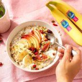 Budwig Creme mit Chiquita Bananen, Feigen, Apfel, Preiselbeeren und Leinsamen