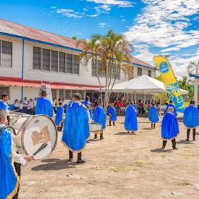 Chiquita verbessert die Einrichtungen der Birichiche Public School