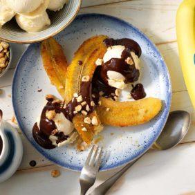 Chiquita Bananensplit mit Zartbitterschokolade und Haselnuss