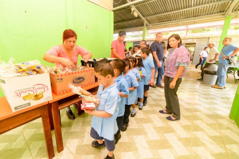 Chiquita schenkt dem Bildungsministerium von Costa Rica Land für den Bau von Schulen - 7