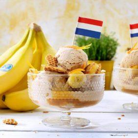 Zimteis mit Chiquita Bananen und knuspriger holländischer Stroopwafel