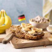 Vollkornbrot mit Chiquita Bananen und Kokosraspeln