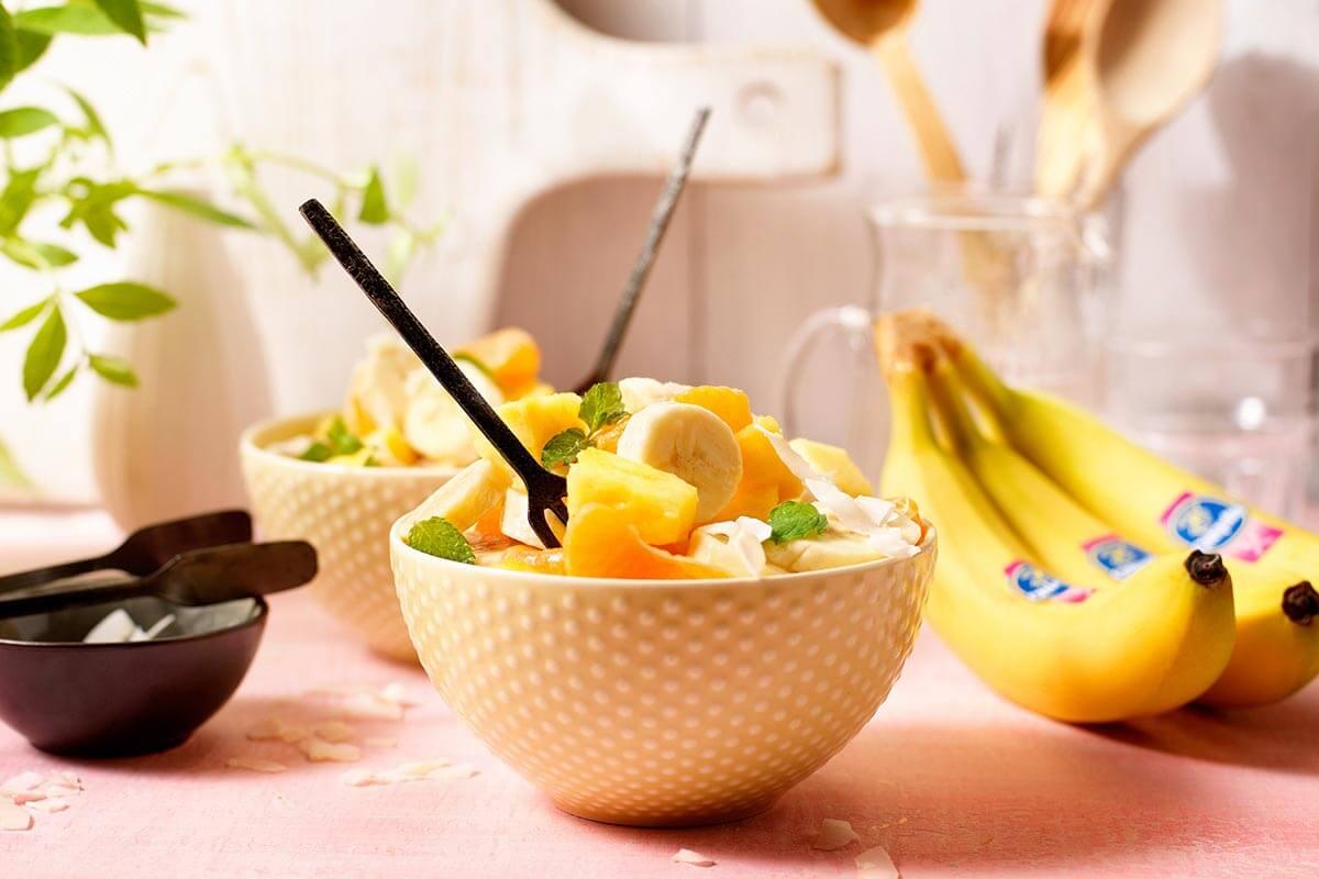 Gesunder, leichter Chiquita Bananen-Ambrosia-Salat