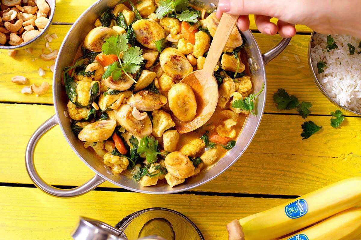 Indisches Hühnercurry mit Chiquita Bananen, Blumenkohl und Spinat