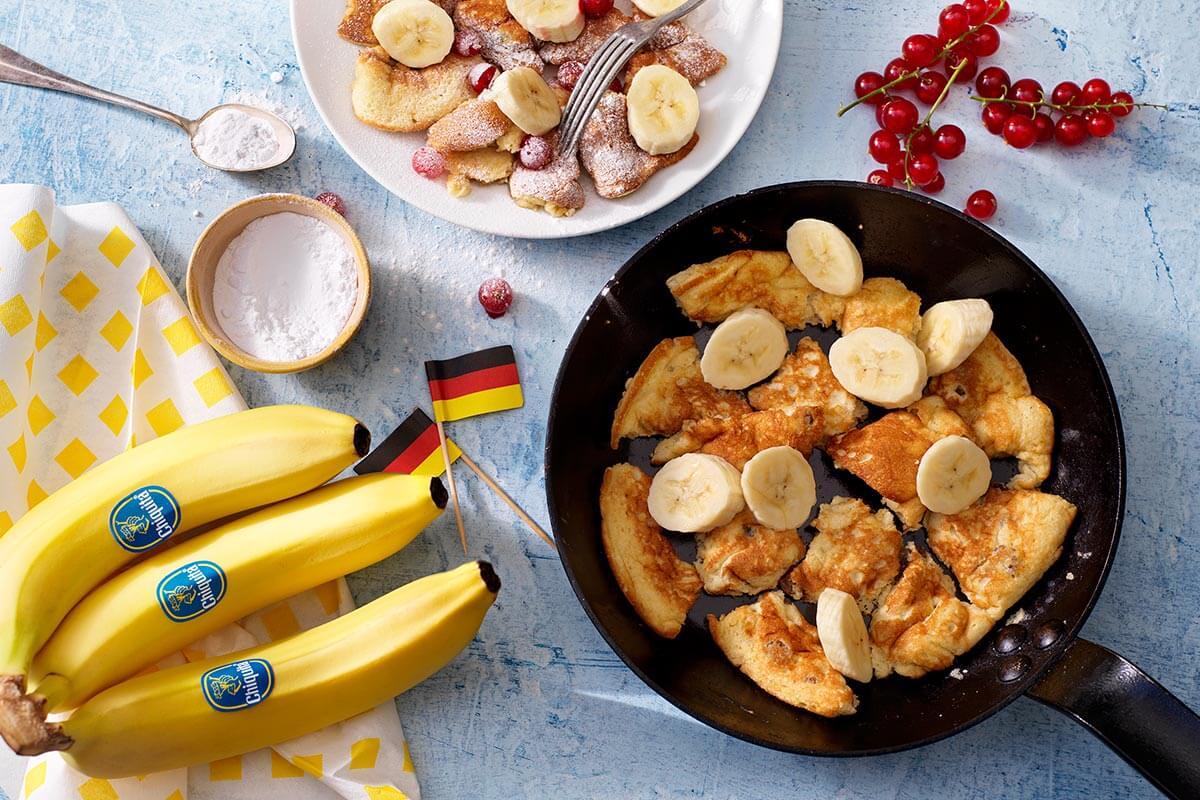 Österreichische Kaiserschmarrn mit Chiquita Bananen und roten Beeren