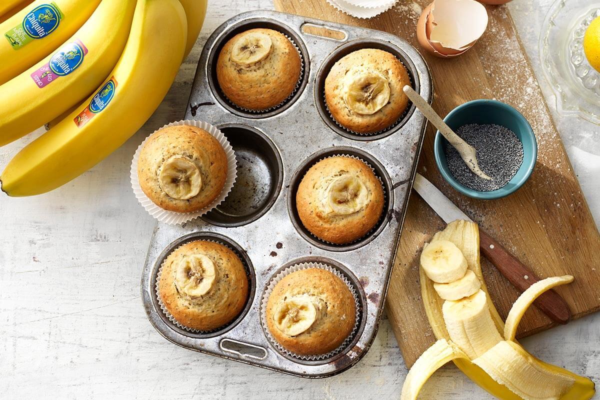 Zitronen-Chia-Mohn-Muffins mit Chiquita Bananen und Honigglasur