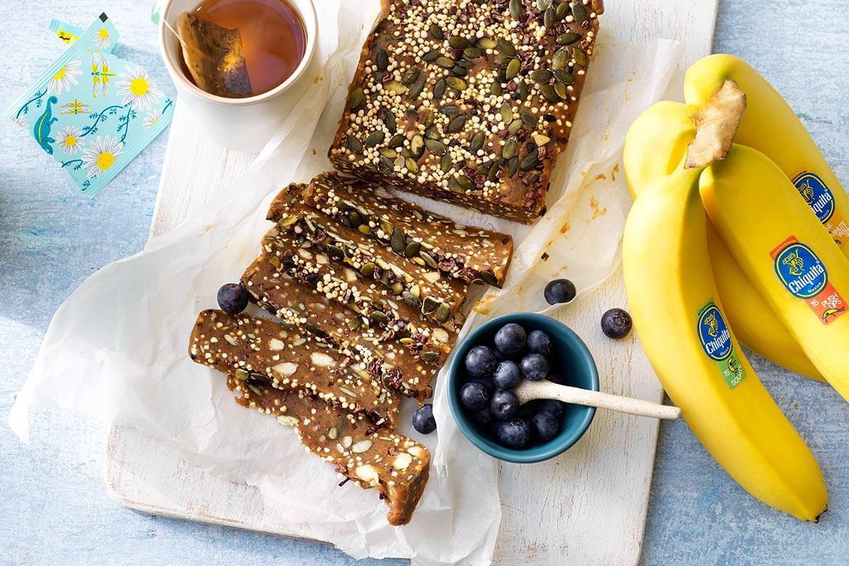 Power-Riegel mit gepufftem Quinoa und Chiquita Bananen