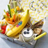 Snackbox mit Chiquita Bananenchips, Gemüse, Obst und Nüssen
