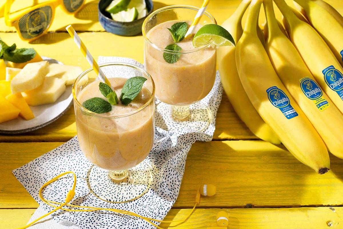 Tropischer Smoothie mit Chiquita Banane und Joghurt