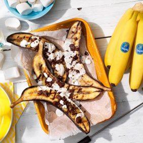 Mit Schokolade und Marshmallow gefüllte BBQ Chiquita Bananen