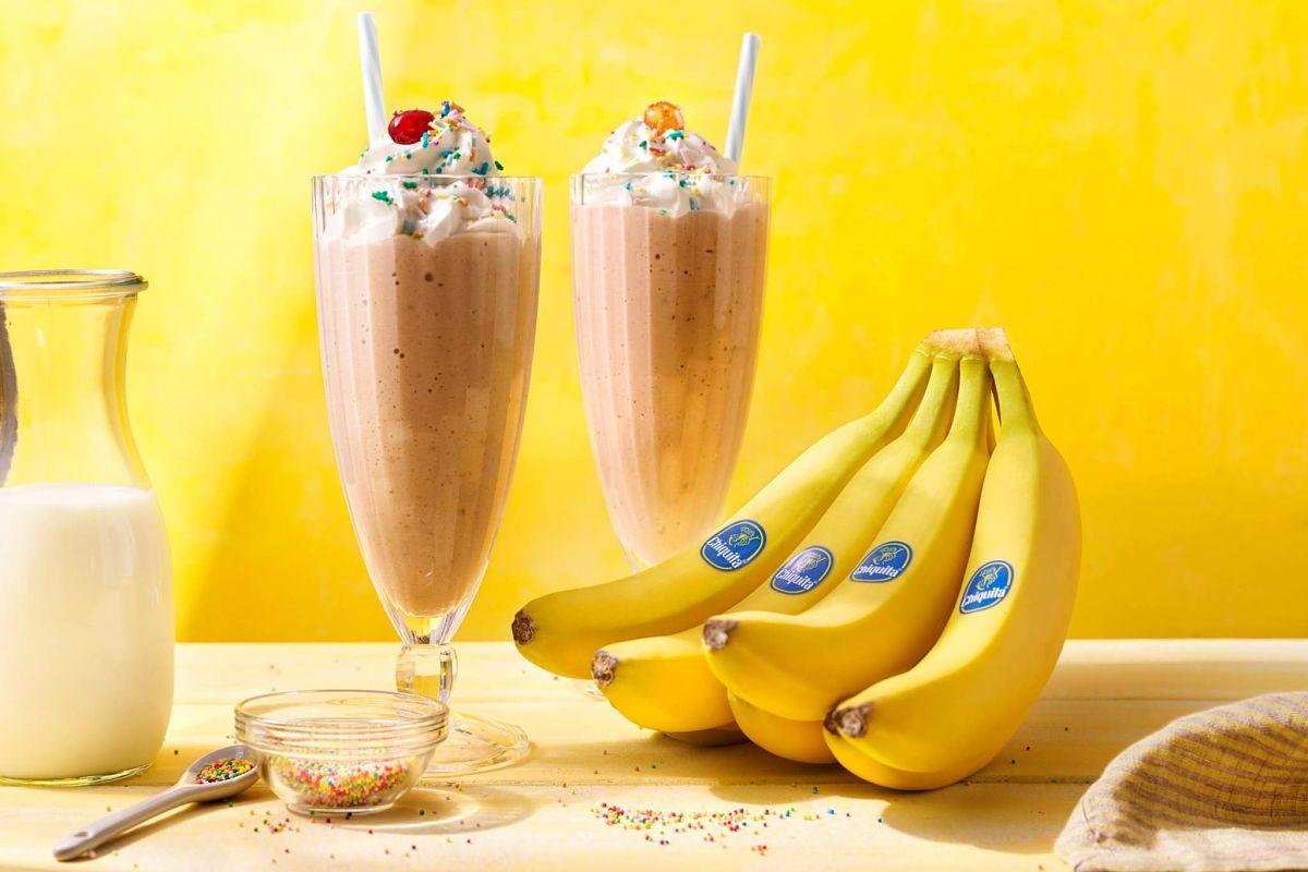 Retro-Milchshake mit Chiquita Bananen und Vanille