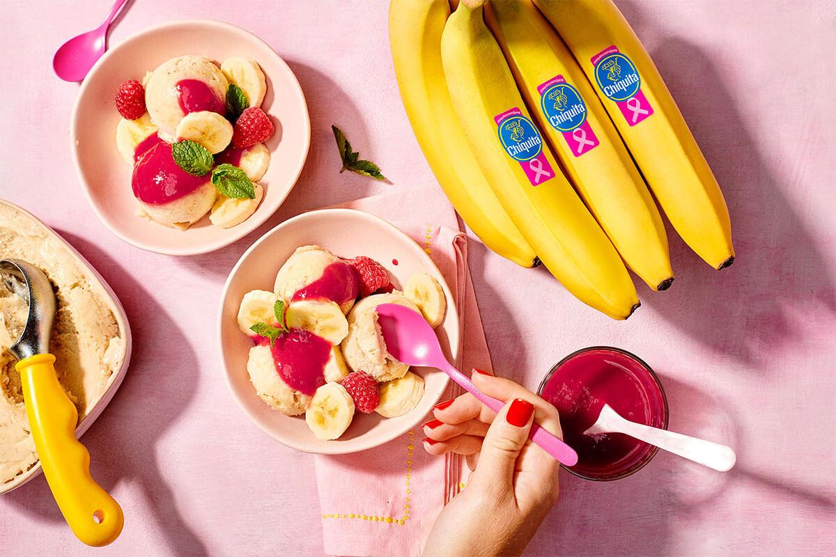 Sorbet aus Chiquita Bananen mit frischer Himbeersauce