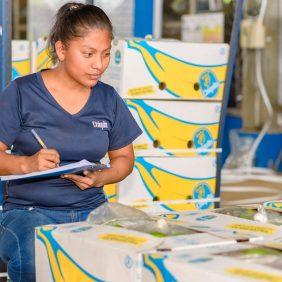 Chiquita setzt seine Female-Empowerment-Mission global fort, um Frauen auf der ganzen Welt zu stärken