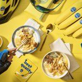 Post Workout Bananen- und Erdnussbutter-Bowl von Chiquita mit griechischem Joghurt